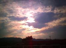雨雲の透き間